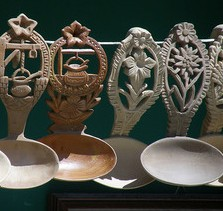 wood carved spoons, wood carving, spoons,