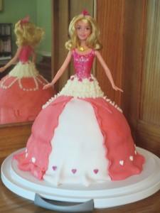 Barbie doll birthday cake, fondant skirt, fondant,