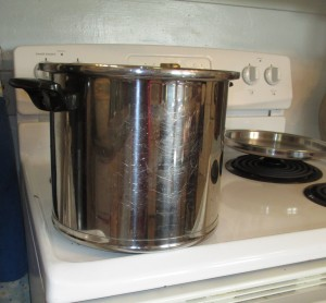 Stainless steel kettle holds 8 quarts or more