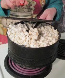 Corn popper, White popcorn, popcorn popping, popcorn,