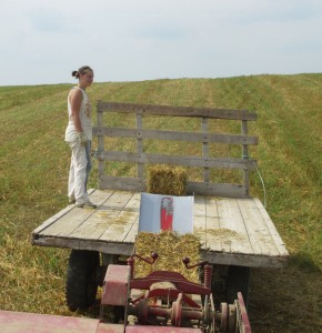 Hay wagon, new holland baler, straw bale, loading bales,