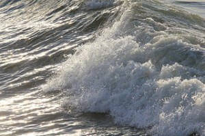ocean waves on the deep, ocean waves, splasing waves,